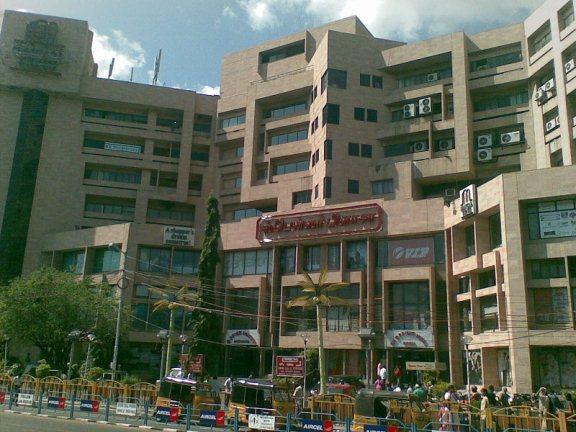 spencer plaza shopping malls in chennai. Black Bedroom Furniture Sets. Home Design Ideas